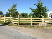 Chunky Ornate 3-Bar Fencing with Pointed Posts