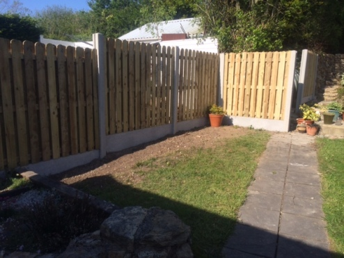 Concrete H-Post & Timber Panel Fencing